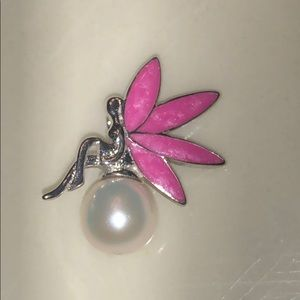 NWOT Vantel Pearl Sterling Silver Fairy Pendent